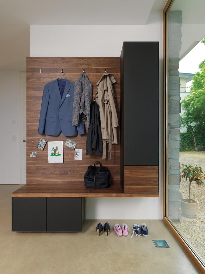 Garderobe cubus massives wohnen schulte for Garderobe nussbaum schwarz