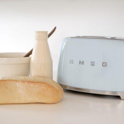smeg-toaster-pastellblau-massives-wohnen-schulte-luedenscheid