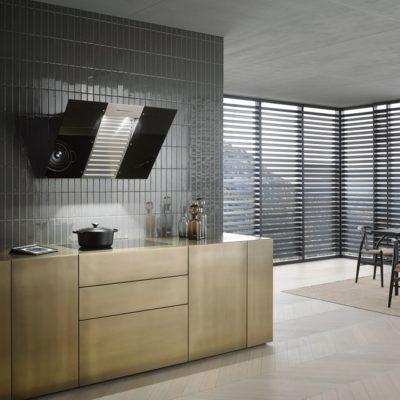 Wand-Dunstabzugshaube mit energiesparender LED-Beleuchtung und Tipptasten für komfortable Bedienung.  • Kopffreiheit - mit Glasschirm in 898 mm Breite  • Leistungsstark - 650 m3/h in der Boosterstufe  • Effiziente Filterung - 10-lagiger Edelstahl-Metallfettfilter  • Sicher und leicht zu reinigen - Miele CleanCover  • Für jede Wohnsituation passend - abluft- und umluftfähig