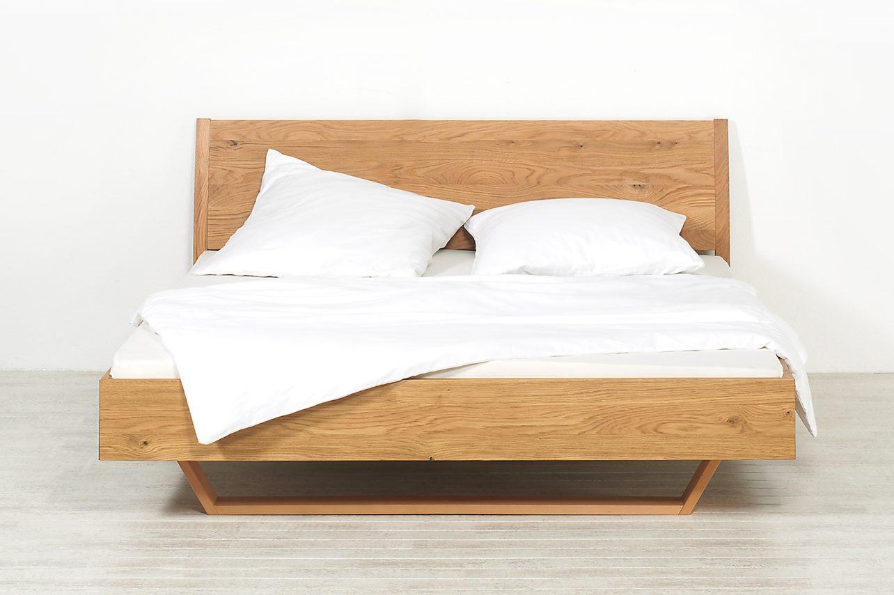 Schlafzimmer Lucca, Bett mit Kufe in Eiche