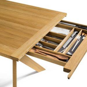 Besteckschublade von Tisch Yps in Eiche.